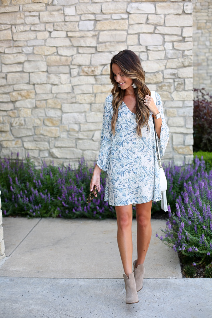 bell-sleeve dress: boho in blue