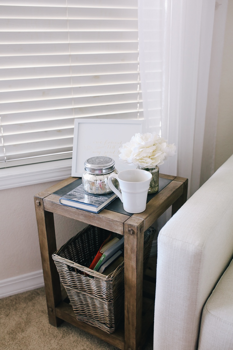lauren sims bedroom reading nook