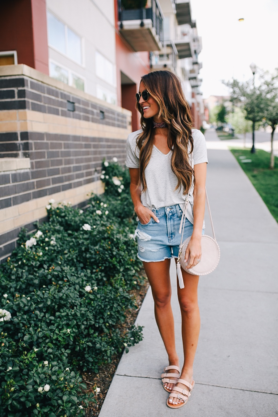 lauren sims denim shorts favorite tees under $40
