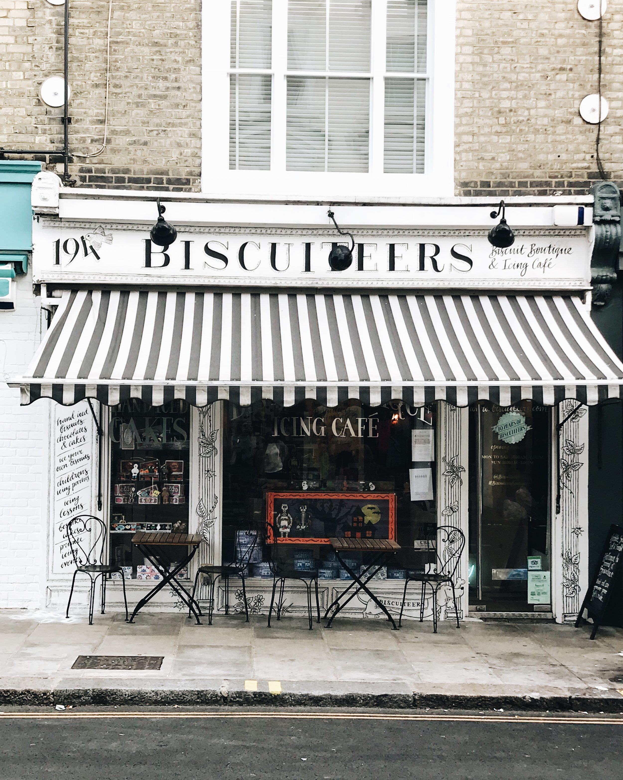 lauren sims london travel guide
