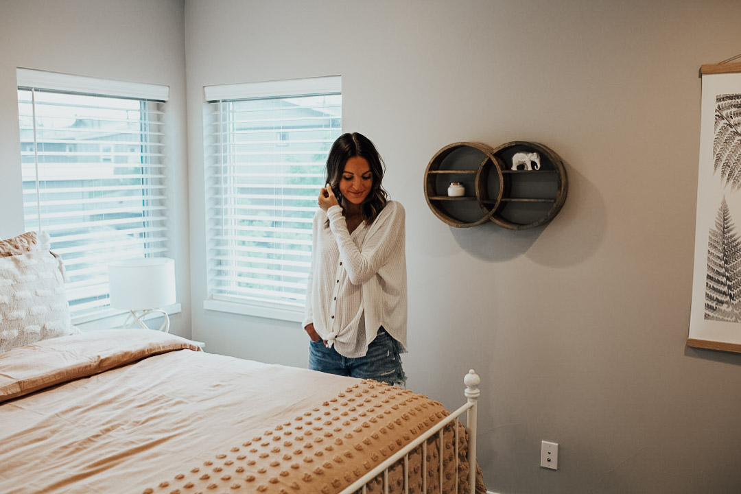 lauren sims guest bedroom decor